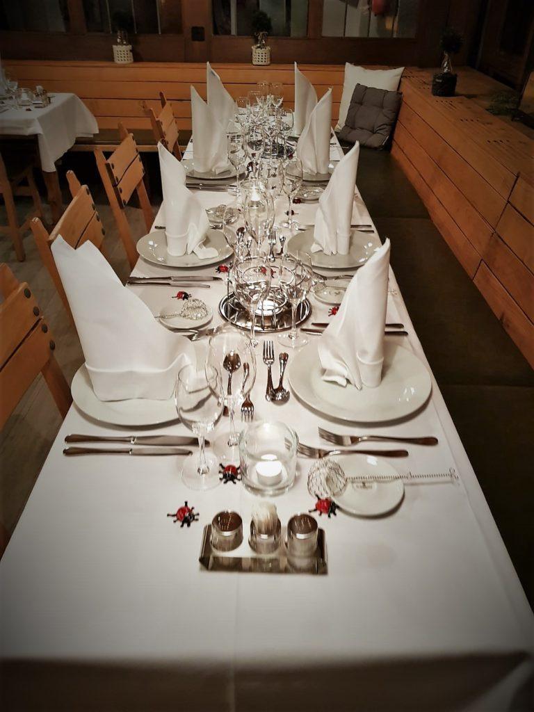 Tisch_gedeckt